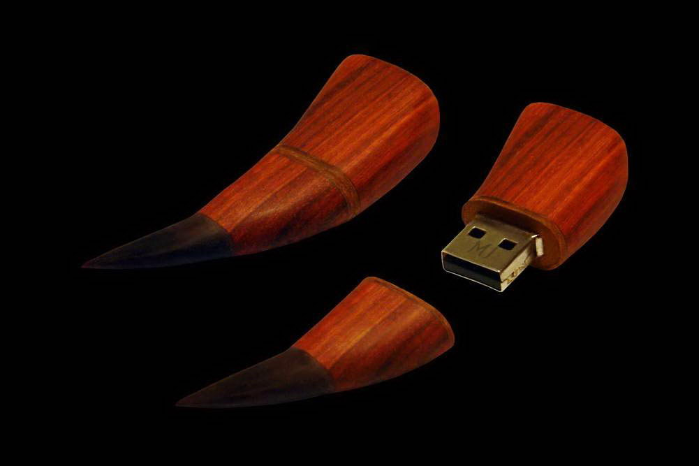 MJ - USB Flash Drive Wild Wood Edition - Red Wood Mahogany, Black Panther Claw.