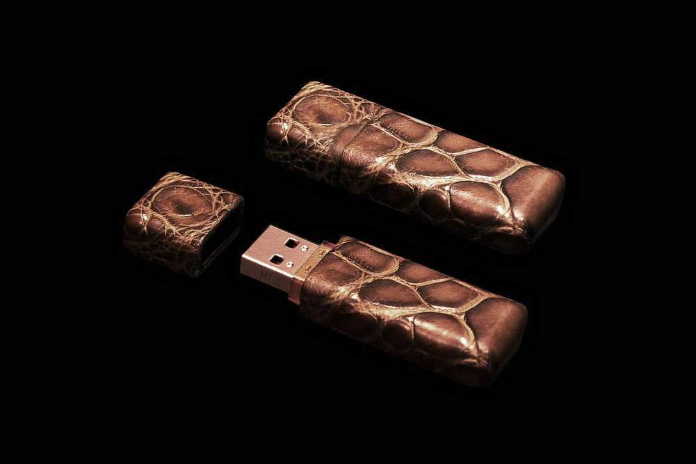 MJ - USB Flash Drive Exotic Leather Edition - Genuine Crocodile Leather, Brown Skin. Super Speed Flash Memory - 1gb, 2gb, 4gb, 8gb, 16gb, 32gb, 64gb, 128gb, 256gb, 512gb.